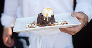 Almond_date_cake