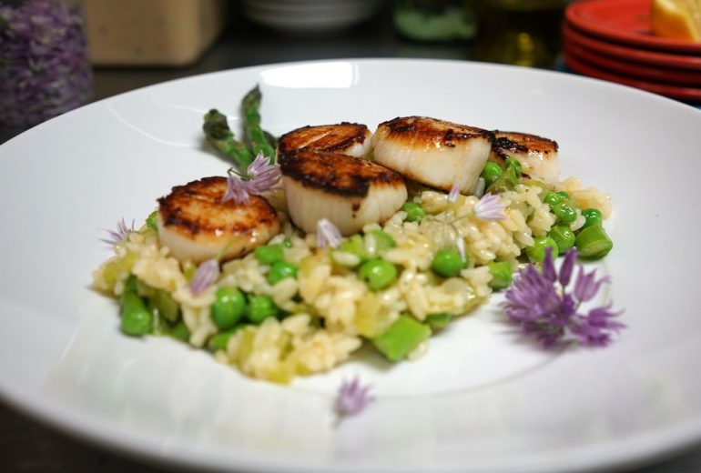 Sea Scallops: sweet pea & asparagus risotto